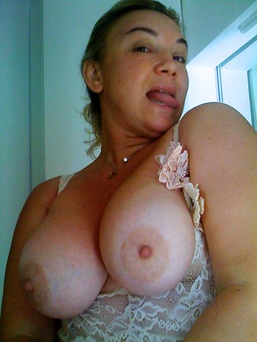 image femme mature nue dans le 90 pour baise
